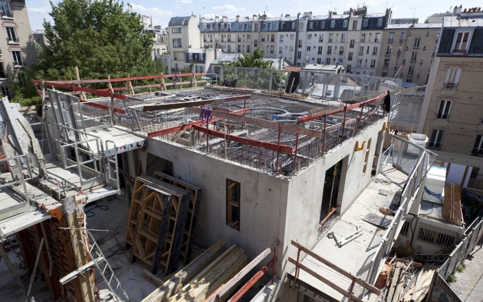 Construction of the Family Hotel Thermopyles in Paris